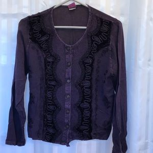 Tierra Madge Woman's size Large, long sleeve butto
